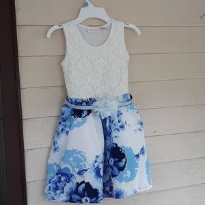 Girls small 5/6 dress